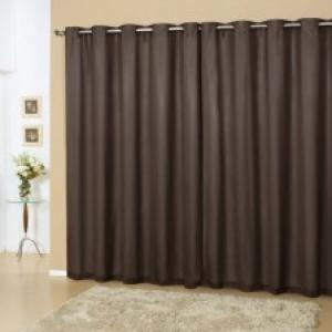 Diminua a necessidade de uso do ar-condicionado com uma cortina blecaute